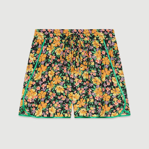 Flowing shorts in floral print : Skirts & Shorts color Print