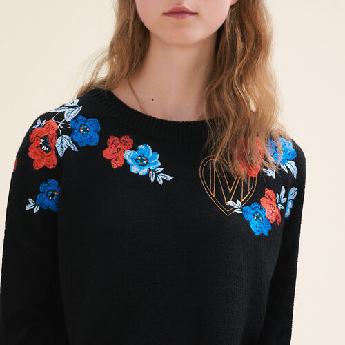Fine knit jumper with embroidery : Knitwear color Black 210