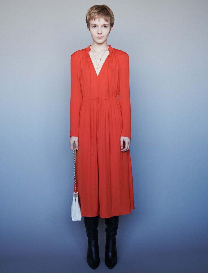 Robe en satin coulissée à la taille - Midseason-Sales_UK_30% - MAJE