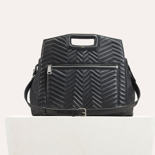 Quilted leather shoulder bag : M bags color Black 210