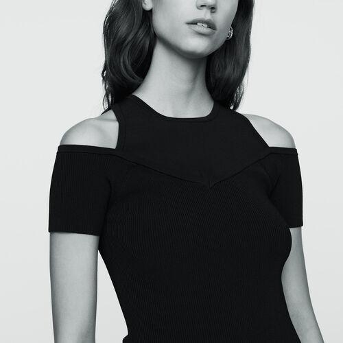 Stretch-knit shoulder T-shirt : Knitwear color Black 210