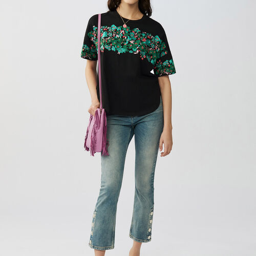 T-shirt with flowers embroideries : T-Shirts color Black 210