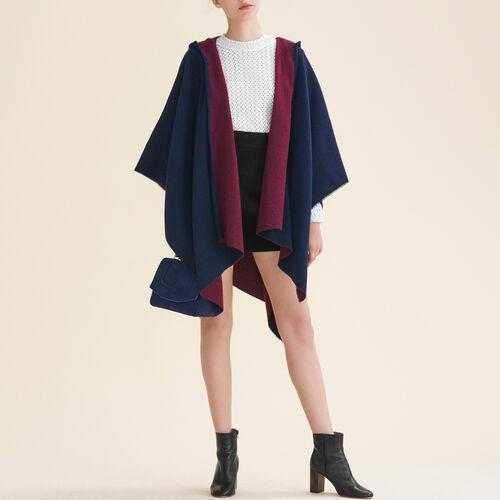 Reversible hooded poncho : Accessoires color BORDEAUX