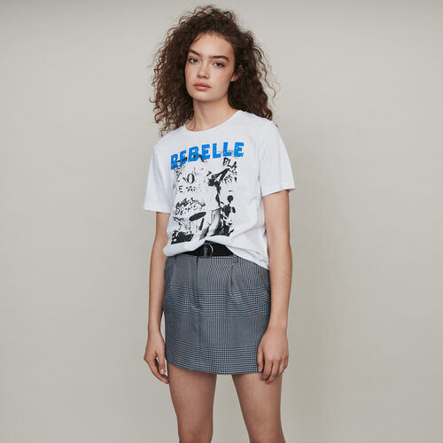 Silk screen printed tee shirt : T-Shirts color Black
