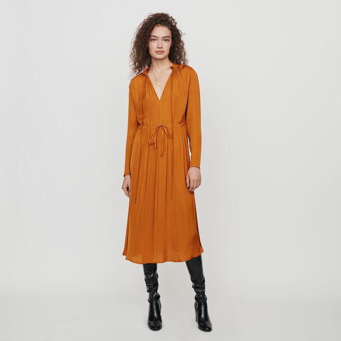 Robe en satin coulissée à la taille - staff-private-sale - MAJE
