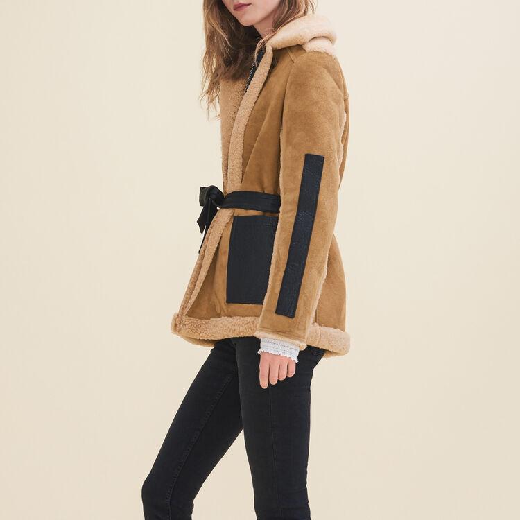 5d24db416b423 Manteau en peau lainée retournée   Vente privée personnel couleur CARAMEL