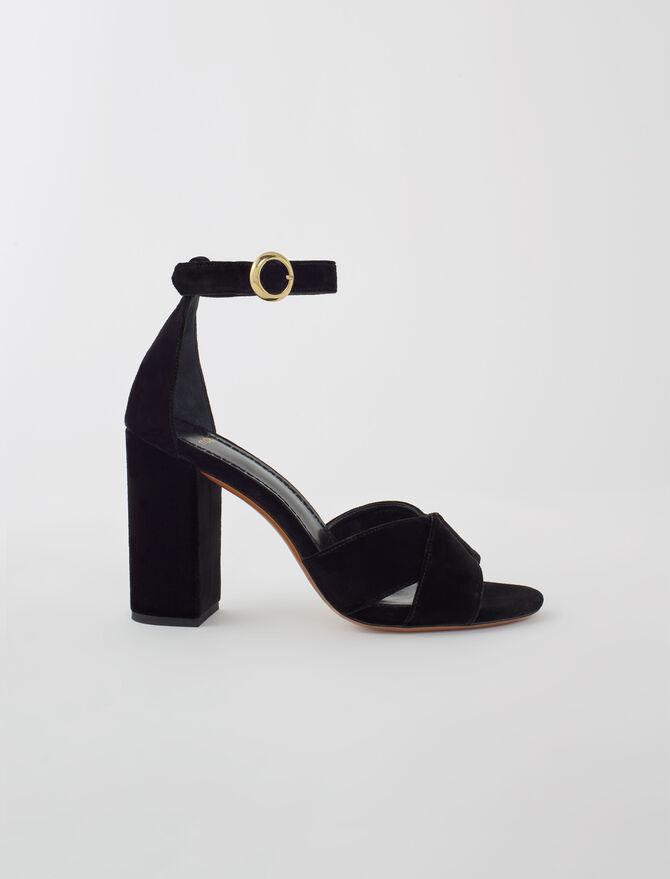 Sandales en velours noir à talons - Chaussures_Toutvoir - MAJE